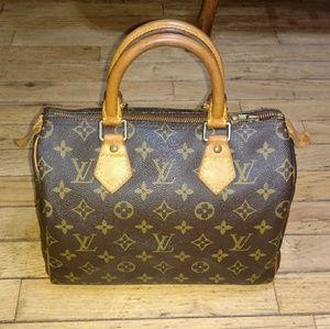 Louis Vuitton Authentic Speedy 25